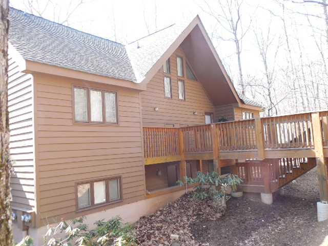 702 Laurelwood Condos, Wintergreen