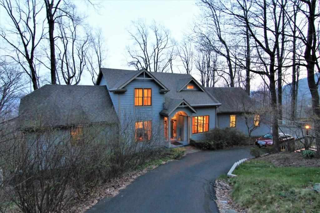 77 Valleymont Ln, Nellysford