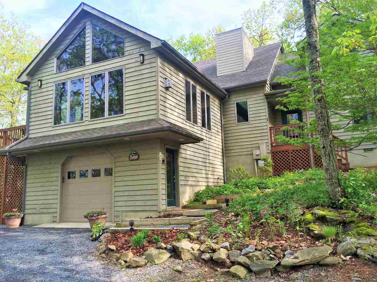 17 South Forest Dr, Wintergreen Resort