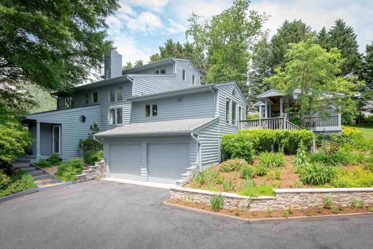 805 Emerson Dr, Charlottesville