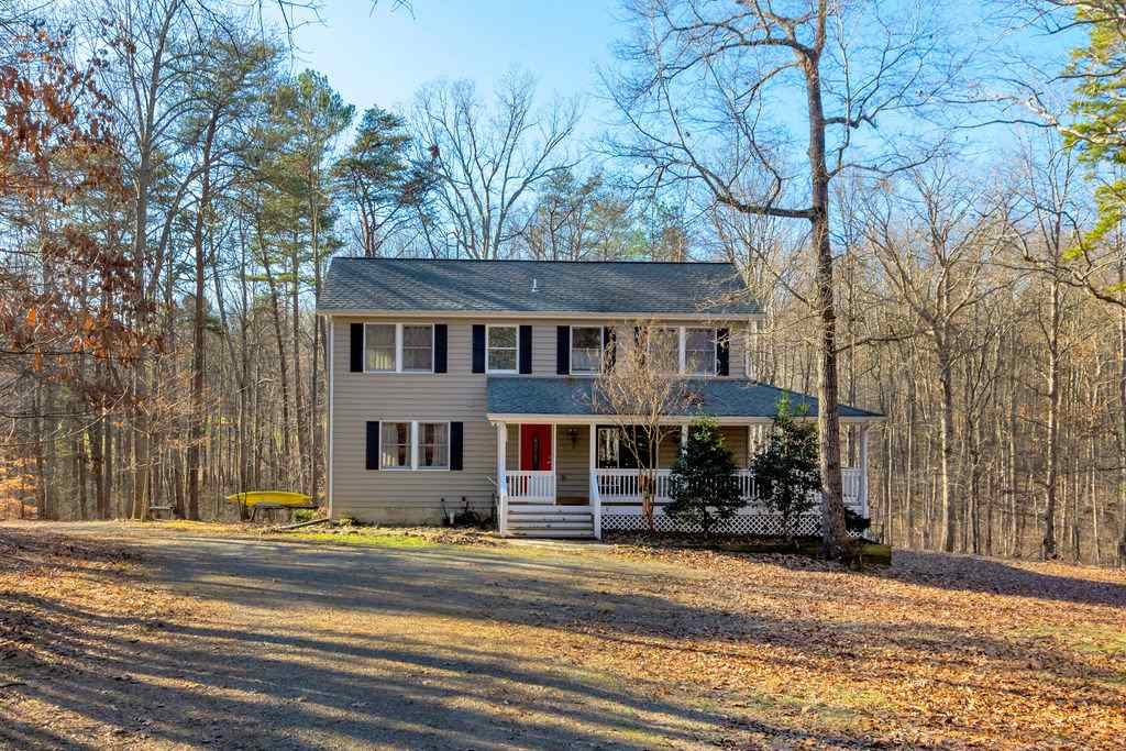 1534 Briery Creek Rd, Scottsville