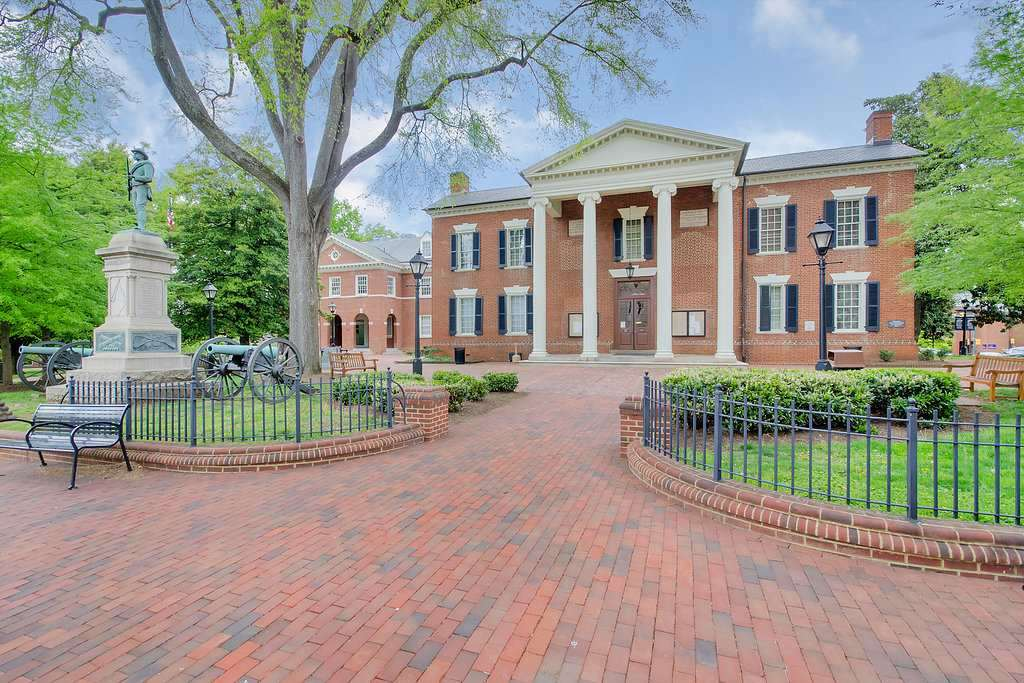 500 Court Sq Charlottesville Virginia 22902 Mls 597089
