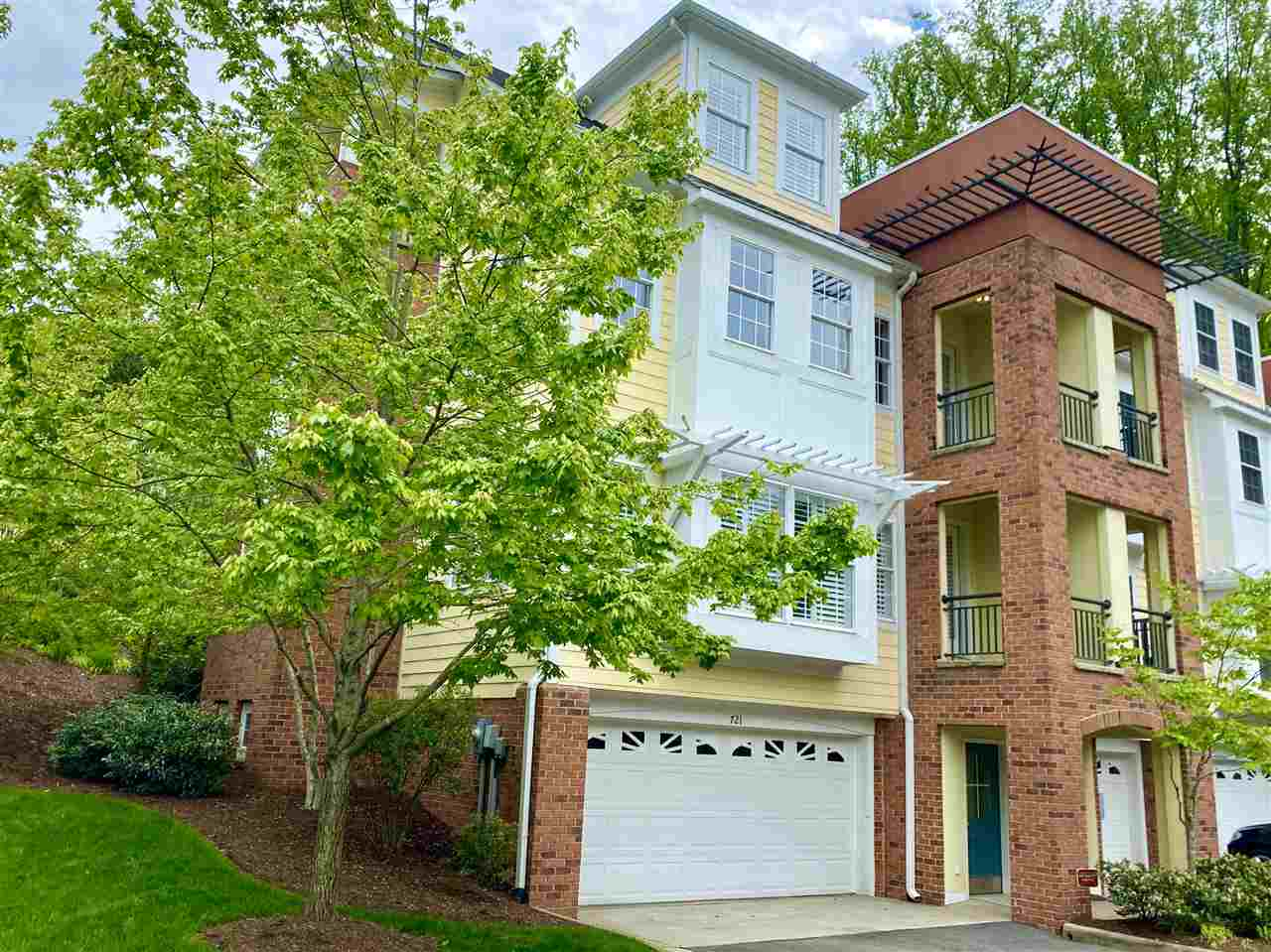 721 Cairn Heights Ct, Charlottesville