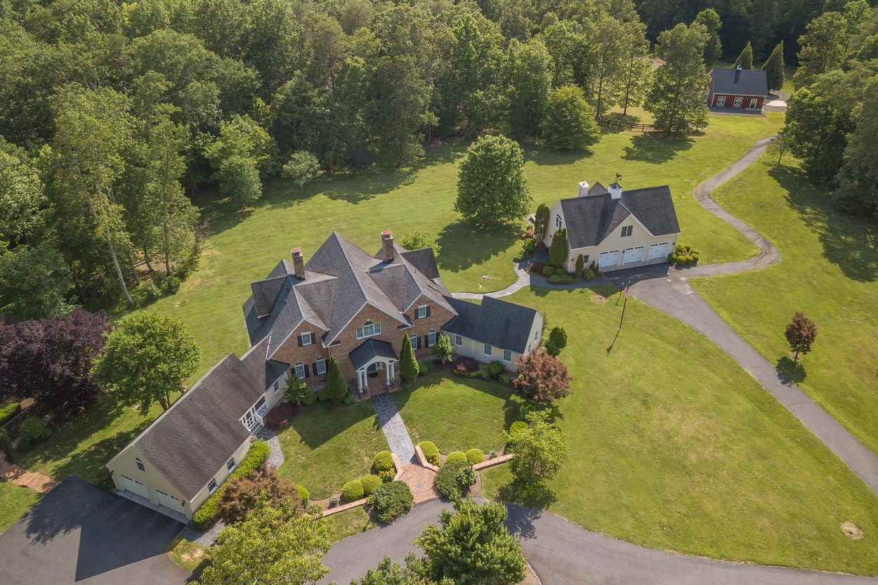 4865 Gilbert Station Rd, Barboursville