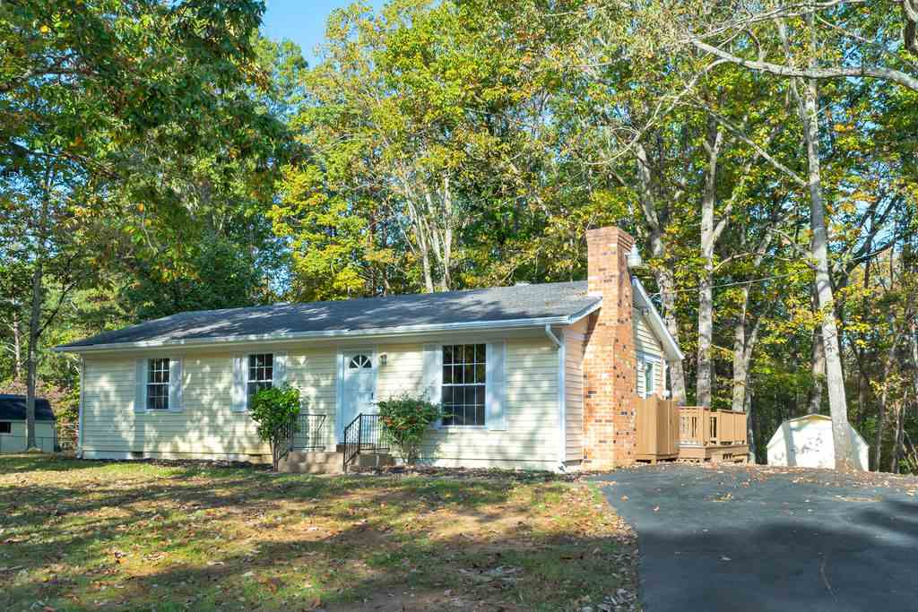 4546 Woods Edge Rd, Troy