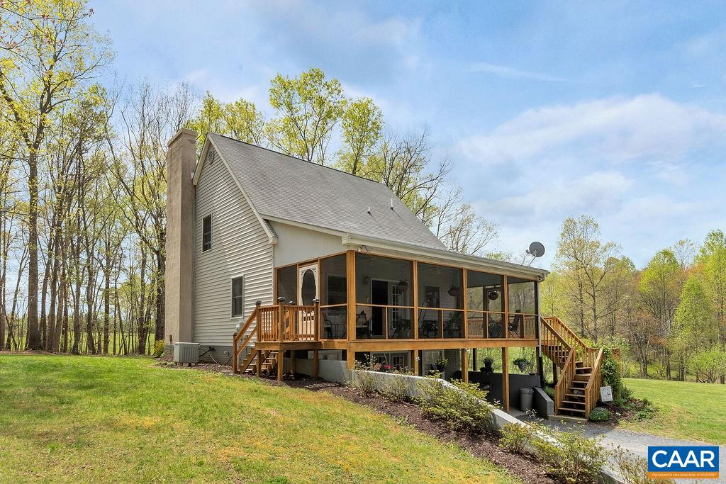 2225 Bridgeport Rd, Scottsville